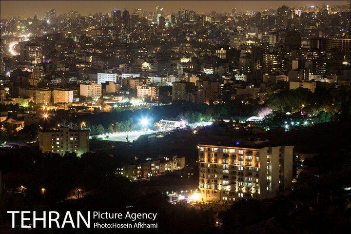 میانگین مصرف خانگی برق در کشور، ۳۲ درصد و در تهران ۴۲ درصد است