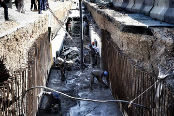 تولید سیلاب بر اثر زبالههای رها شده در جویهای آب
