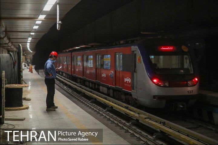 ساخت یک کیلومتر خط مترو و خرید یک رام قطار چقدر آب میخورد؟