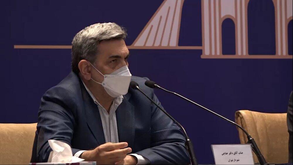 راهحل آلودگی هوا و ترافیک در تهران، توسعه حملونقل عمومی است