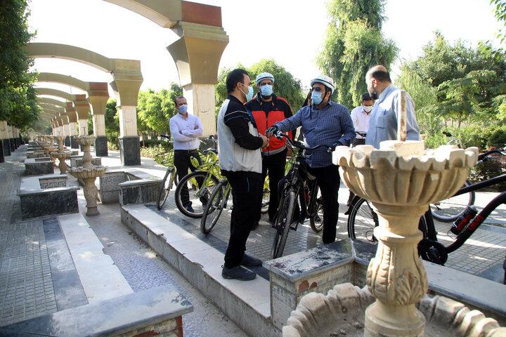 رکاب زنی شهردار منطقه۱۷ در کوچهپسکوچههای وصفنارد