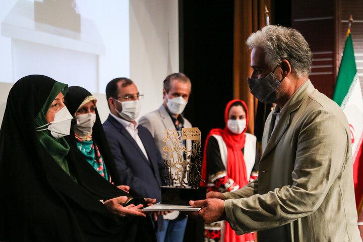 آیین اختتامیه یادبود ۱۷۰۰۰ زن شهید، جانباز و آزاده برگزار شد