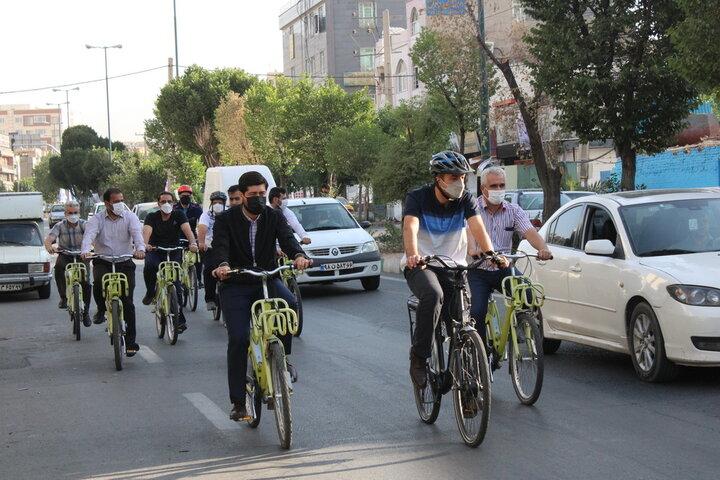 رکاب زنی شهردار و مدیران شهری منطقه ۲۱ در سه شنبه های بدون خودرو