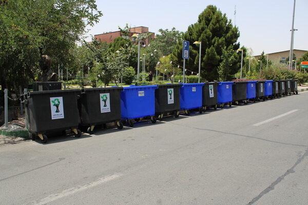 تجهیز شهرک شهرداری  به مخازن ۱۱۰۰ لیتری پسماند