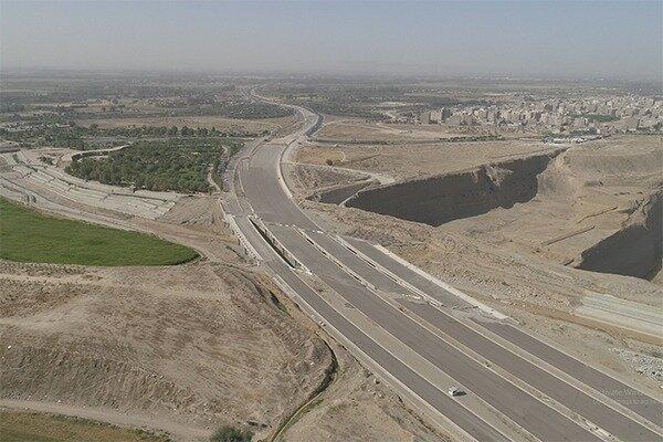 پخش ۶۳۰۰ تن بتن غلتکی در بزرگراهای تهران