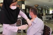 پرسنل شرکت عمرانی کارکنان شهرداری تهران دز اول واکسن کرونا را دریافت کردند