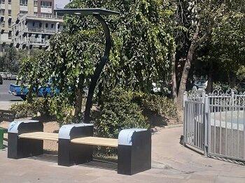 نصب نیمکت های هوشمند خورشیدی در منطقه ۲