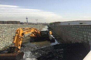 مسیل ها و کانال های منطقه۲ لایروبی و پاکسازی شد