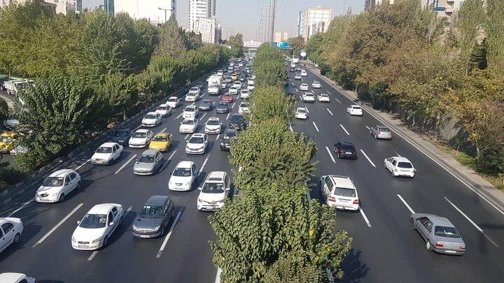 عملیات خط کشی محوری بزرگراه شهید همت به پایان رسید