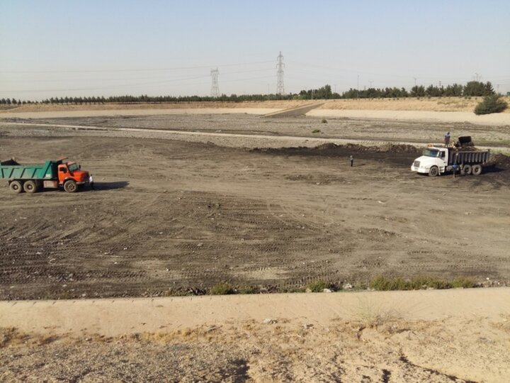 عملیات ویژه لایروبی و پاکسازی کانال های منطقه ۲۰ در آستانه فصل پائیز