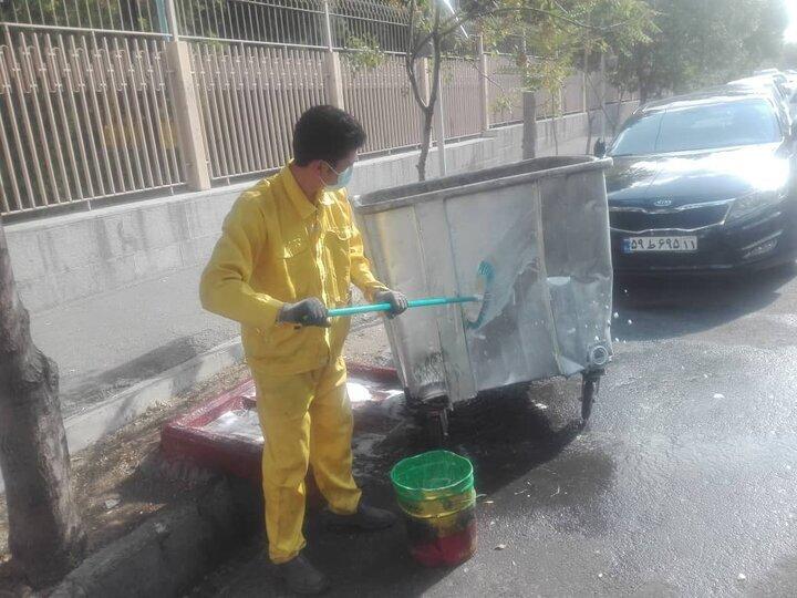 بیش از ۴۹۰۰ مخزن زباله در شمال شرق تهران نظافت شد