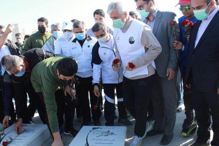 برگزاری همایش «پیاده روی گامهایی به سوی ایران قوی» در دریاچه شهدای خلیج فارس