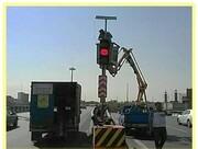 رفع خطر نقاط حادثه خیز با نصب چراغ چشمک زن